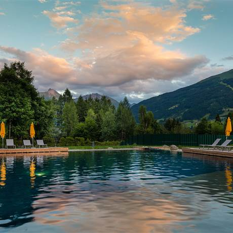 Alpentherme Gastein in the evening