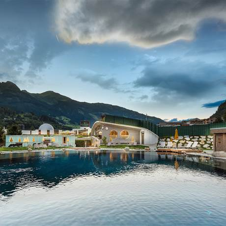 Alpentherme Gastein in the evening mood