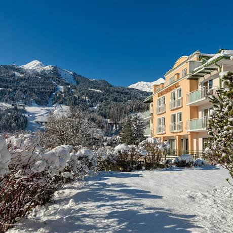 Exterior view of the Kurparkhotel Gastein